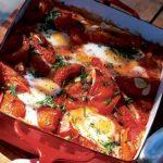 Huevos de tomate al horno